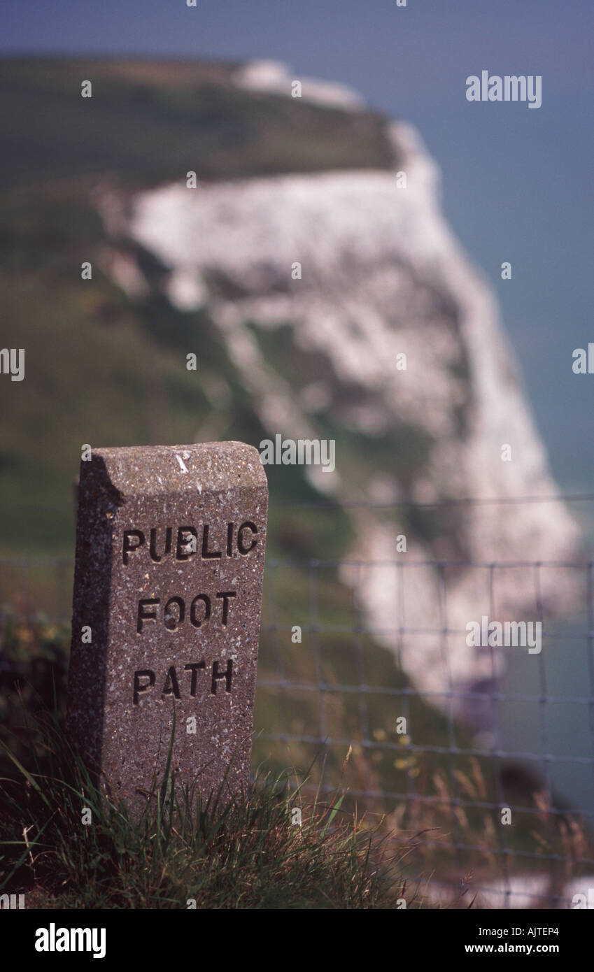 Public footpath marker on trail along the edge of the White Cliffs of Dover, Langdon Bay, Kent, England - Stock Image