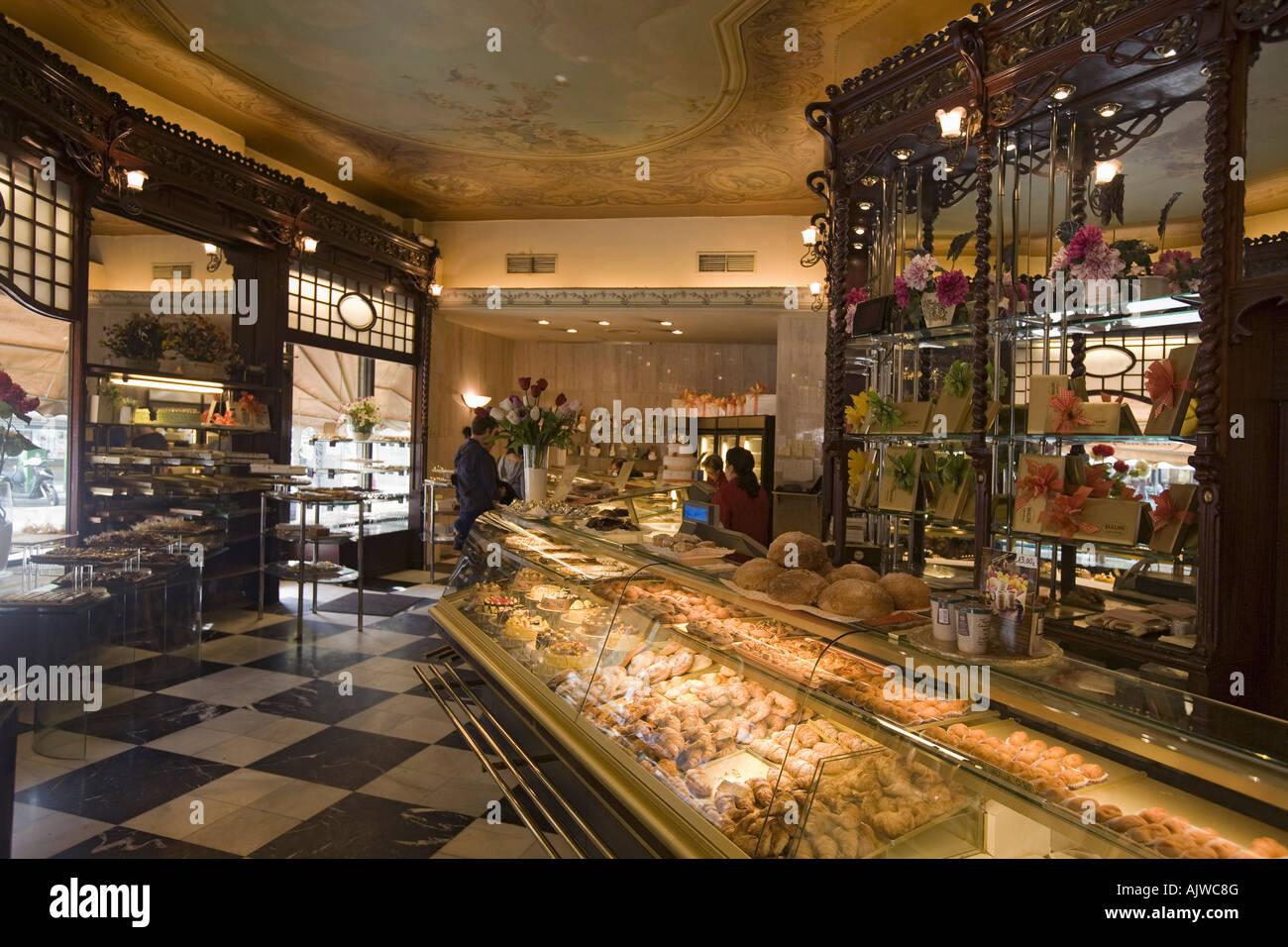 barcelona cafe mauri interieur
