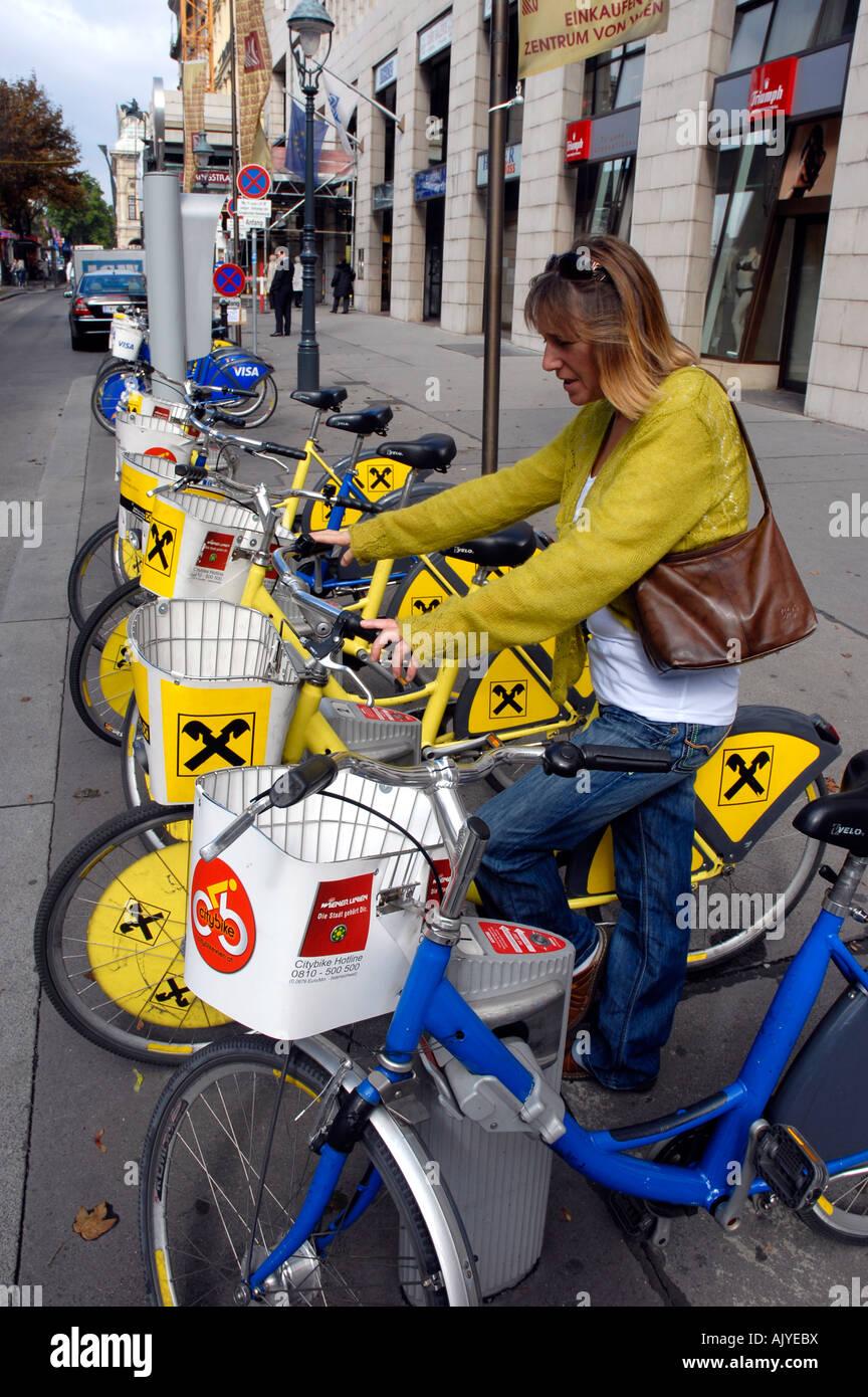 Automated bike hire point Vienna Austria - Stock Image