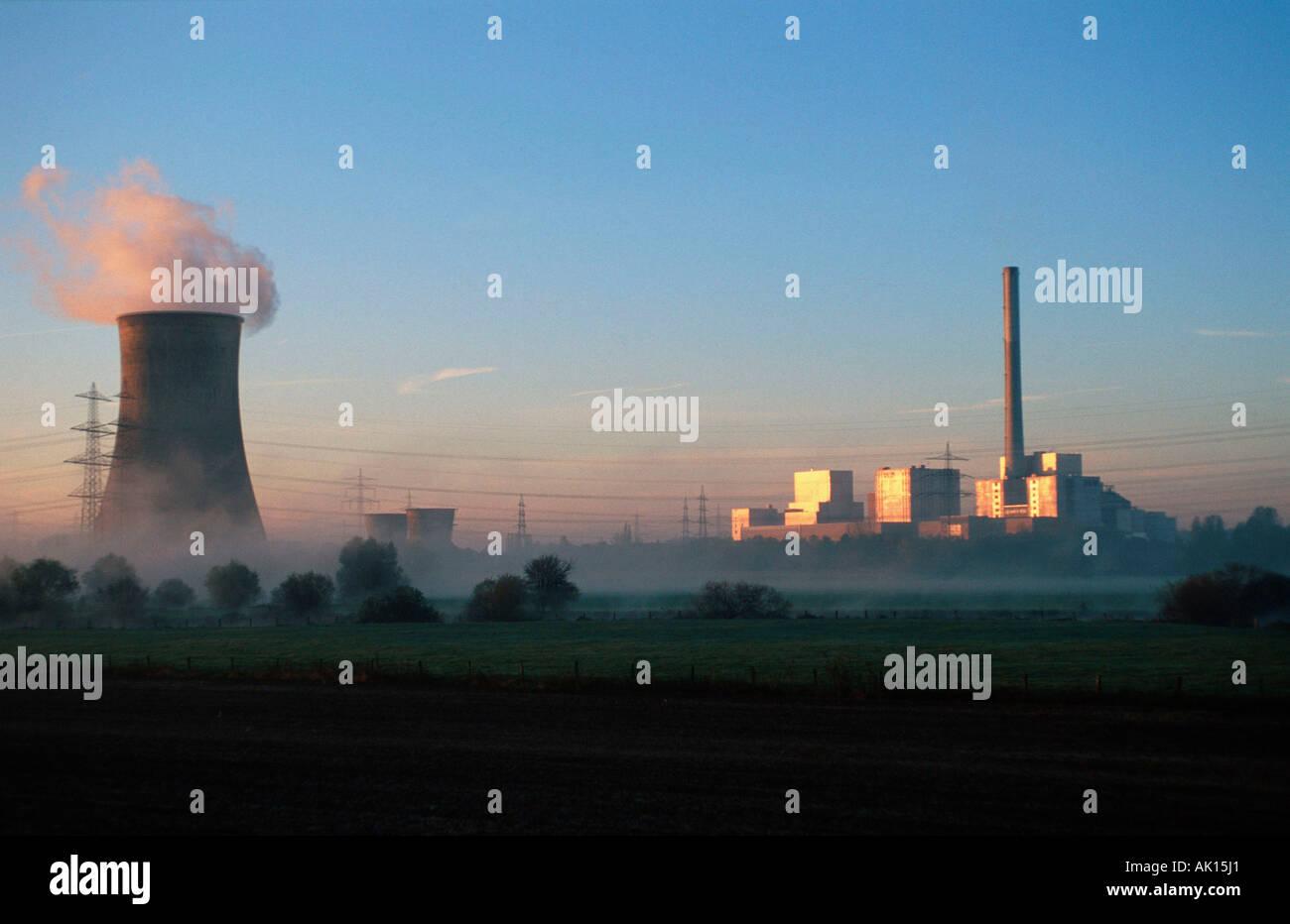 Nuclear Power Station / Hamm-Uentrop / Atomkraftwerk - Stock Image