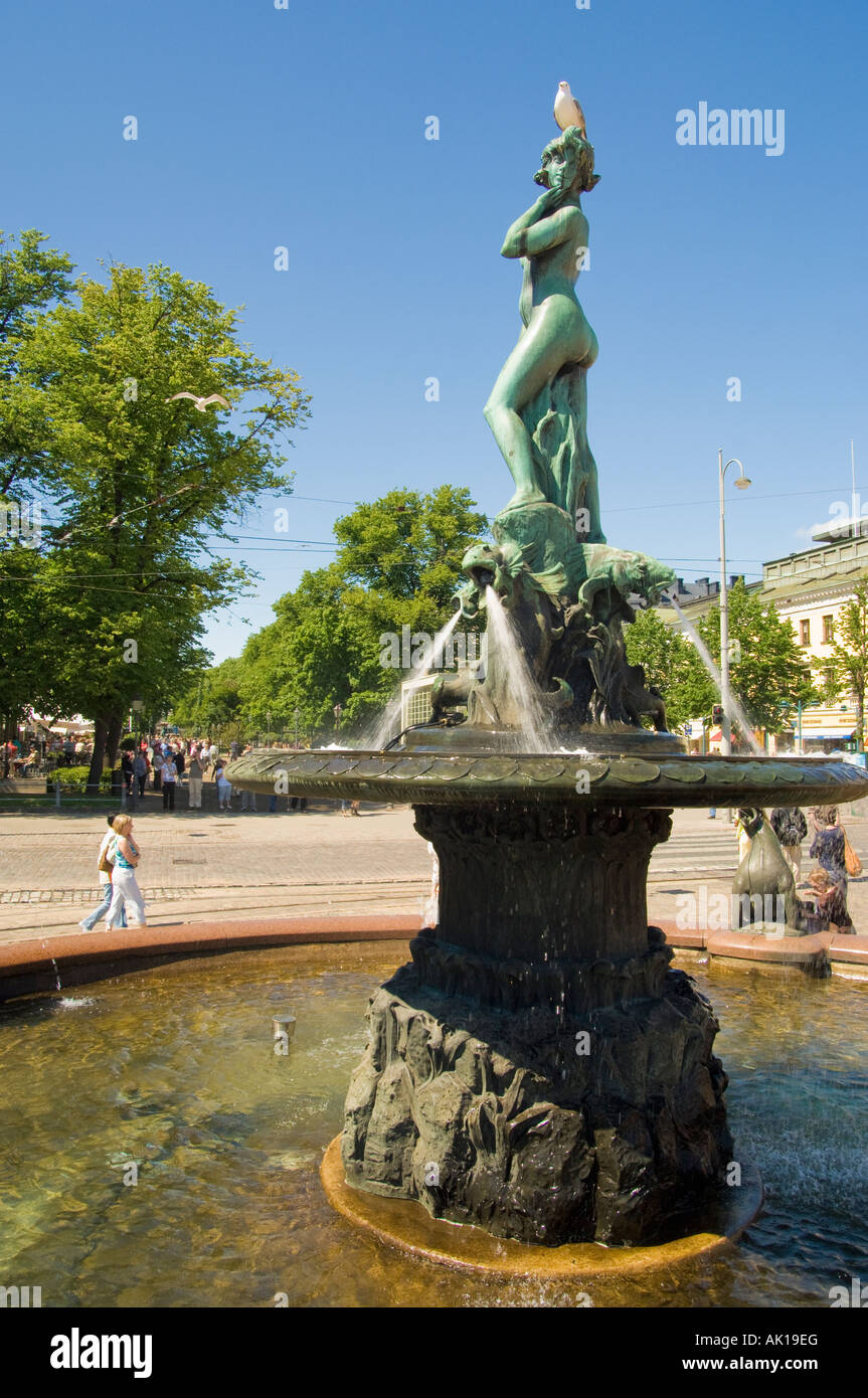 Statue of Havis Amanda known familiarly as Manta sculpted by Ville Vallgren is said to symbolise Helsinki Finland - Stock Image