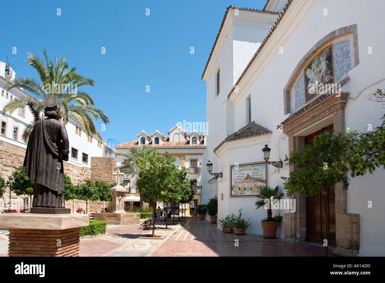 Plaza de la Iglesia, Casco Antiguo (Old Town), Marbella, Costa del Sol, Andalusia, Spain - Stock Image