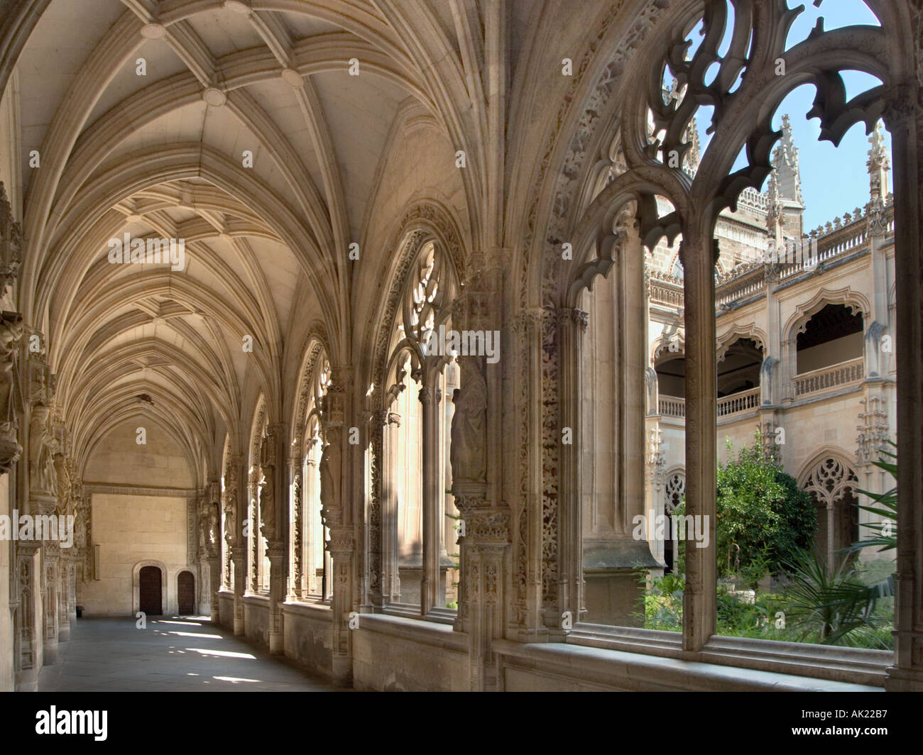 Cloisters in the Church of San Juan de los Reyes, Toledo, Castilla-La-Mancha, Spain - Stock Image