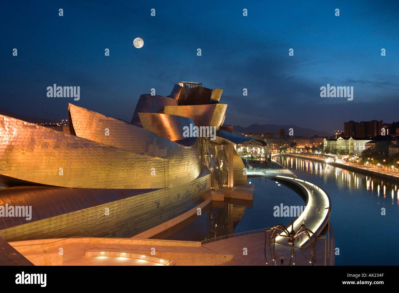 Guggenheim Museum at night, Bilbao, Basque Country, Spain - Stock Image