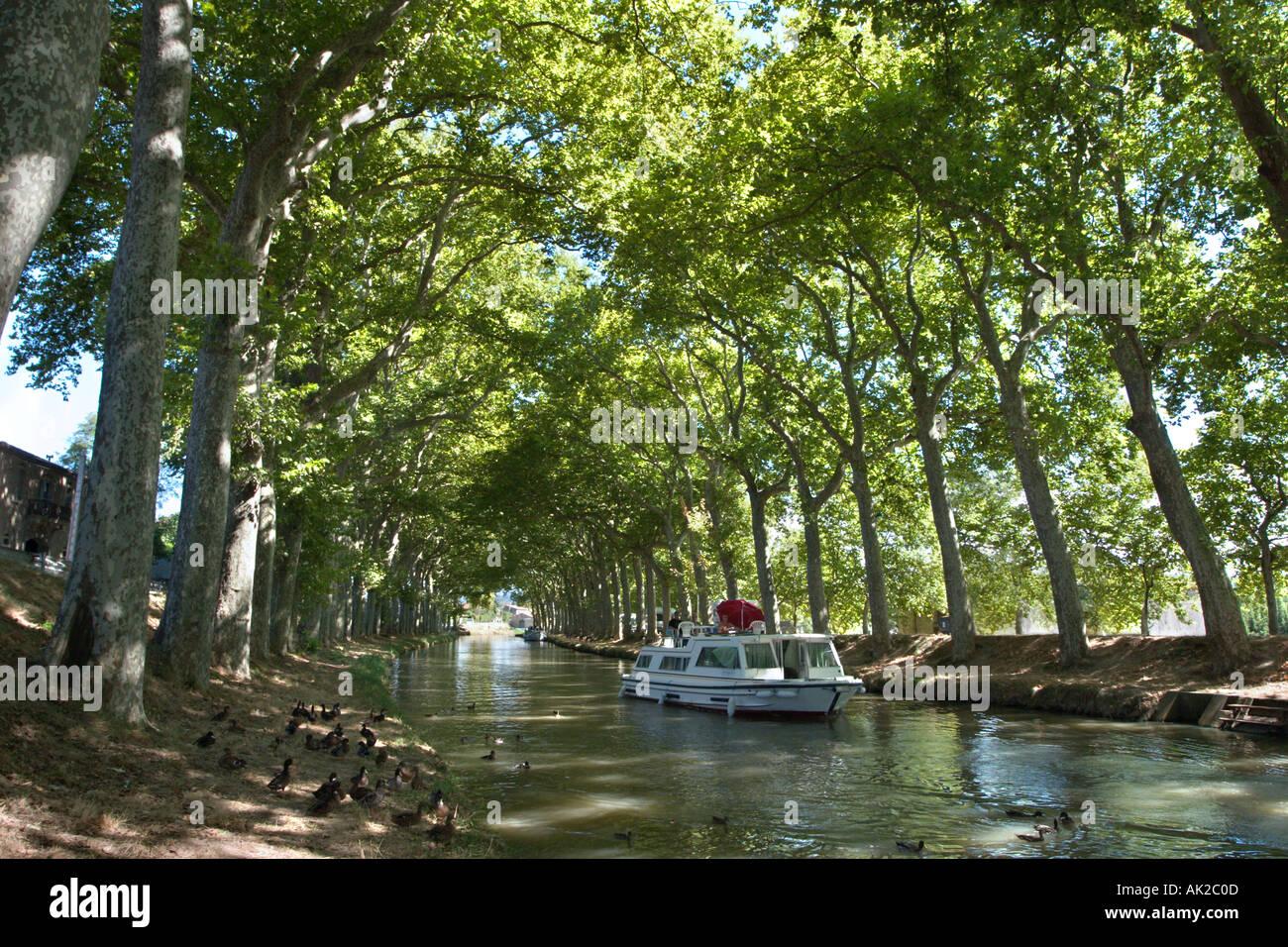 Canal du Midi, Trèbes, Aude, Languedoc, France - Stock Image