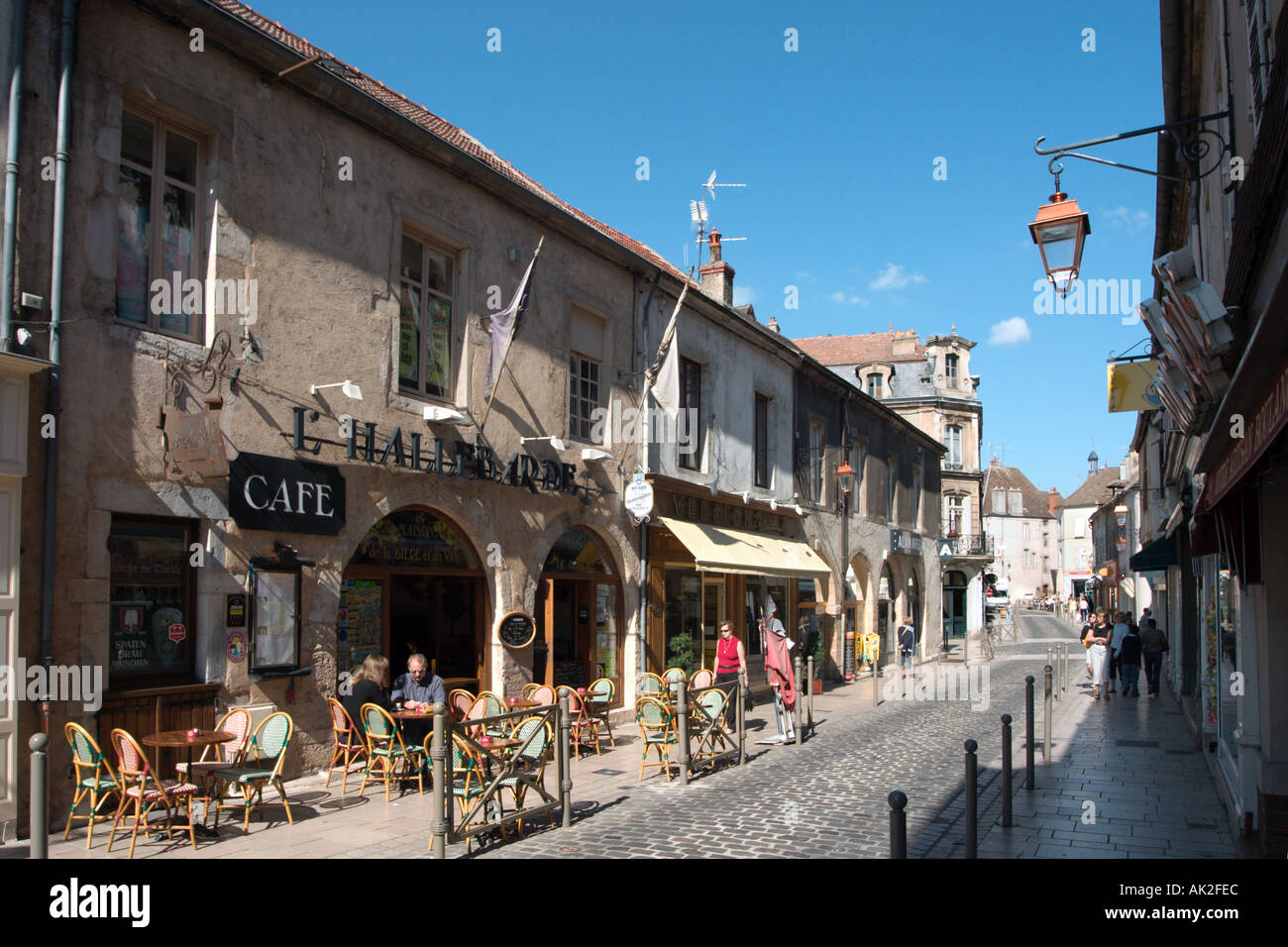 Sidewalk cafe in the Old Town, Beaune, Cote d'Or, Burgundy, France - Stock Image
