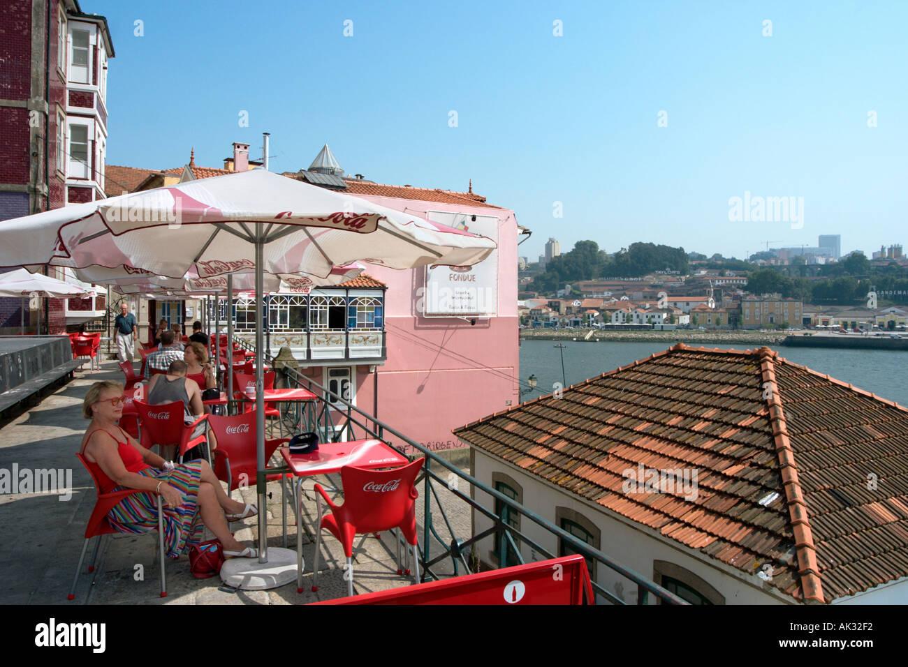 Cafe 0verlooking the River Douro, Oporto (Porto), Portugal - Stock Image