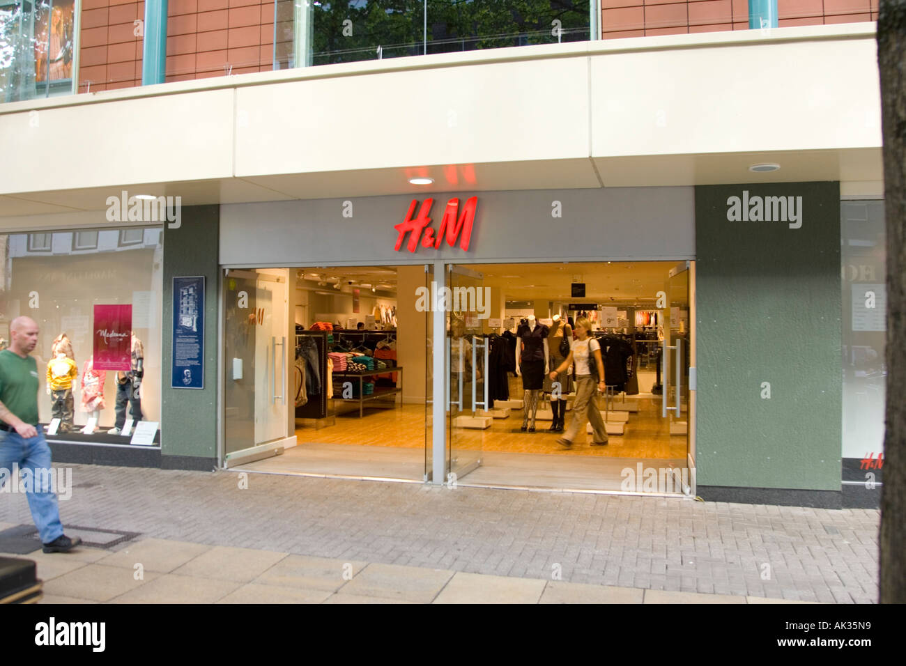 H&M store in Worcester high street - Stock Image