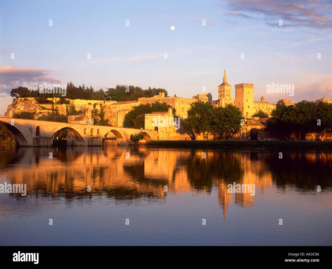 Avignon, Vaucluse, Provence, France, Rhone River, Pont d Avignon, Pont Saint Benezet, Palais des Papes, Palace of the Popes - Stock Image