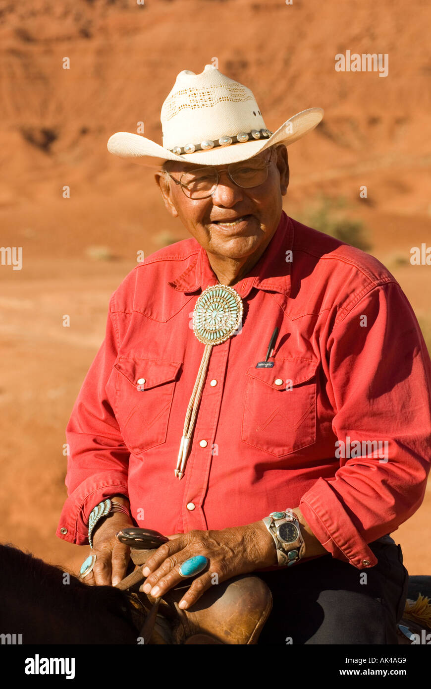 b06febfe3a482 ARIZONA MONUMENT VALLEY TRIBAL PARK NATIVE AMERICAN Navajo cowboy on horse  wearing Turqoise Jewlery and straw