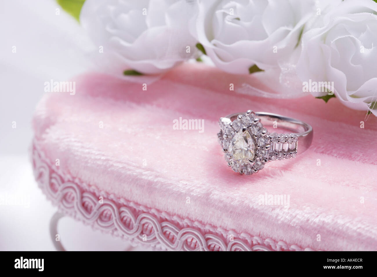 Cushion Diamond Stock Photos & Cushion Diamond Stock Images - Alamy