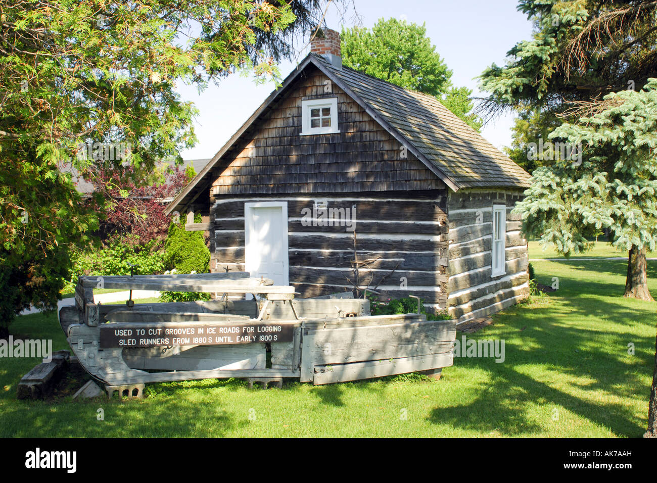 Traditional American Canadian Style Log Cabin Wisconsin WI