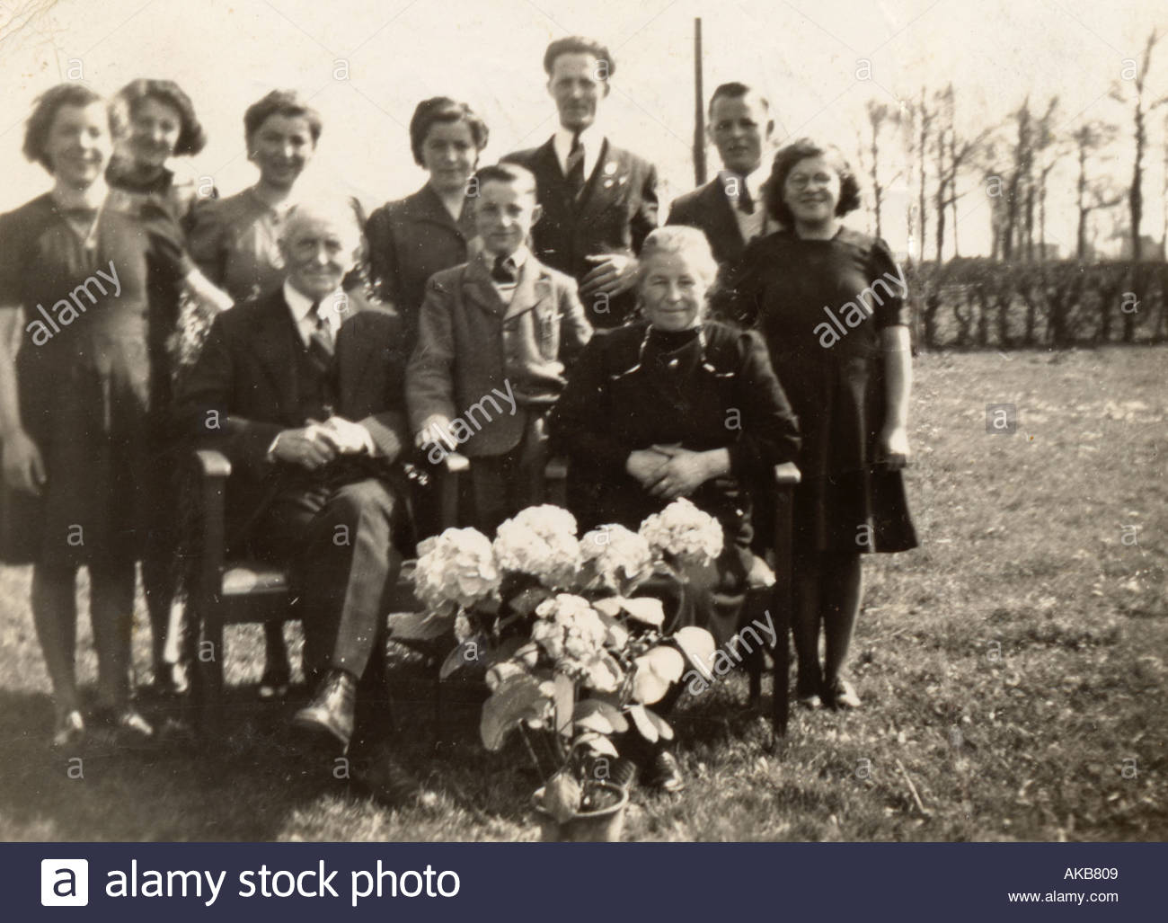 Vintage family group photo golden marriage Holland 1930s - Stock Image