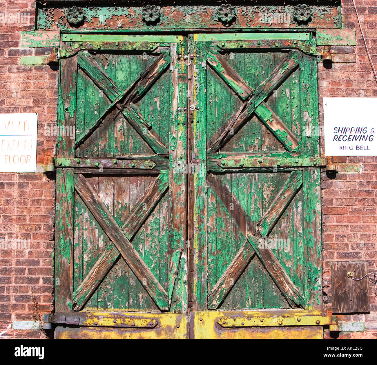 BARN DOORS, OLD PAINT, PAINT, PEELING, PEEL, ENTER, ENTRANCE, EXIT, OLD  WAREHOUSE, ANTIQUE, WOOD, - BARN DOORS, OLD PAINT, PAINT, PEELING, PEEL, ENTER, ENTRANCE, EXIT
