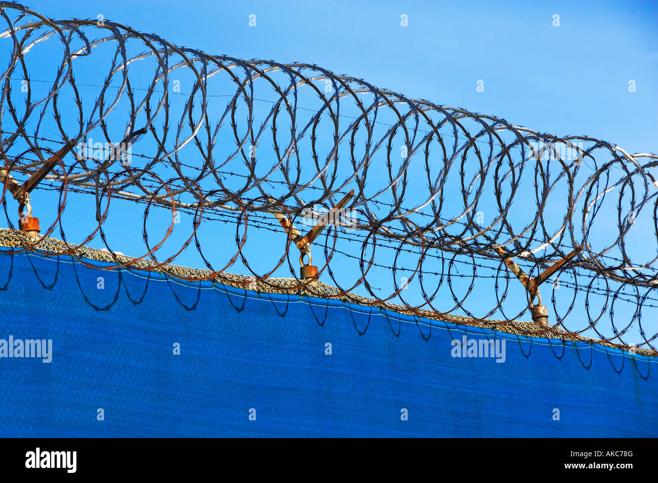 Safety Barbed Wire - DATA WIRING •