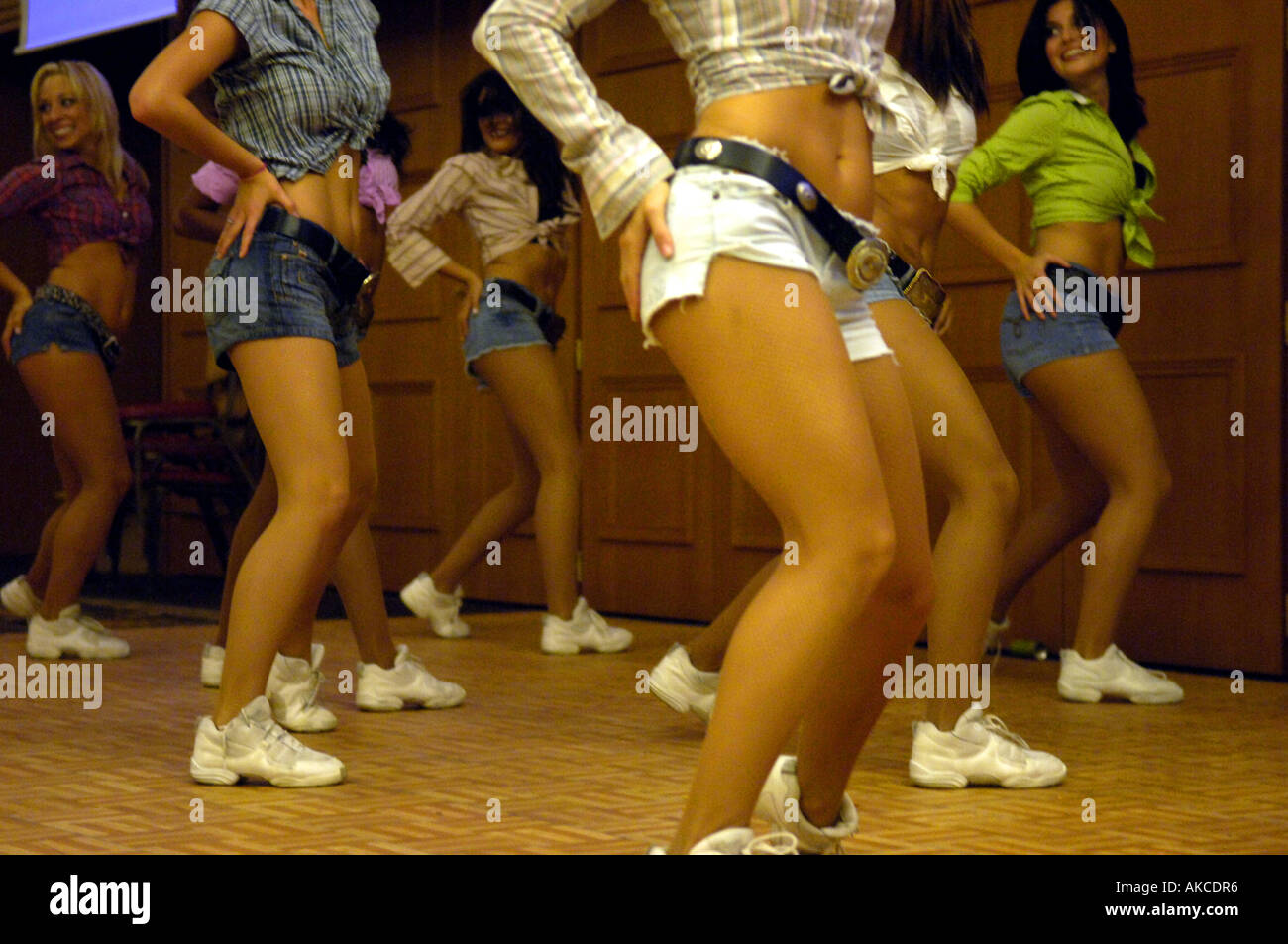 Legs Female Women Fit Young Athletic Dancers American Orlando Magic Stock Photo Alamy Women's instantly slims relaxed fit straight leg jean classic fit (plus). https www alamy com legs female women fit young athletic dancers american orlando magic image8546869 html