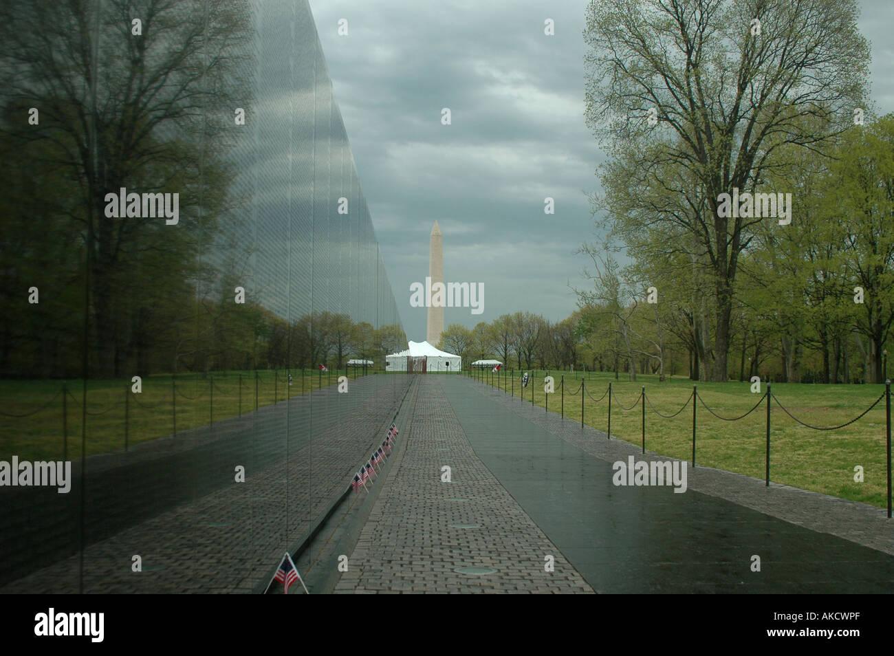 WASHINGTON DC VIETNAM VETERANS MEMORIAL DESIGNED BY MAYA LIN