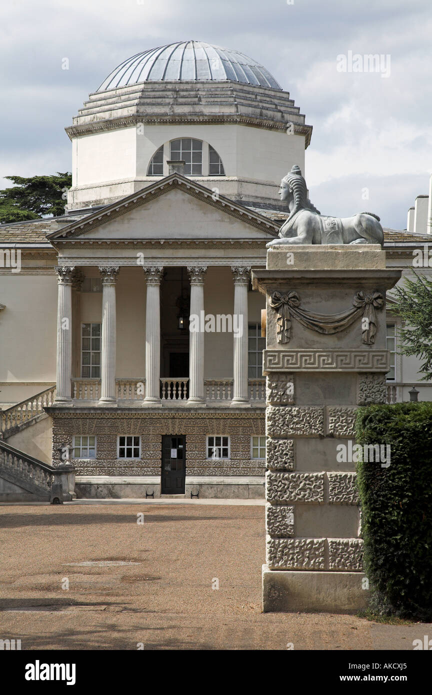 Gatepost with sphinx and facade of Chiswick House London - Stock Image