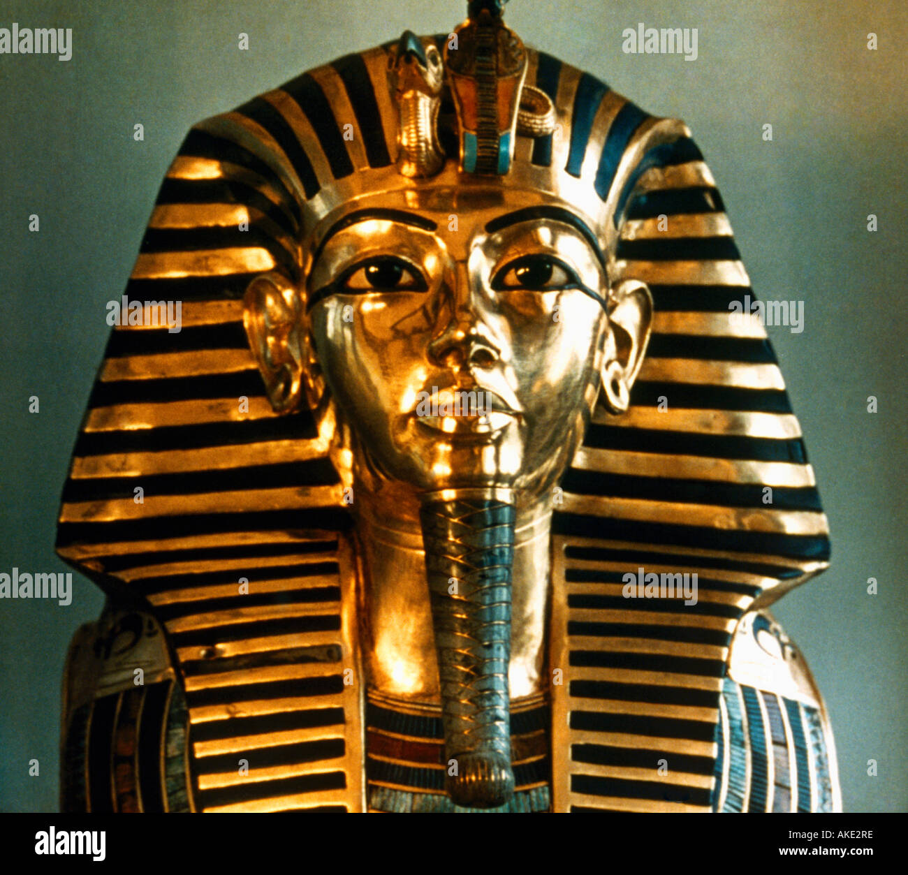Egypt Nekhbet and Wadjet on Tutankhamun Death Mask - Stock Image