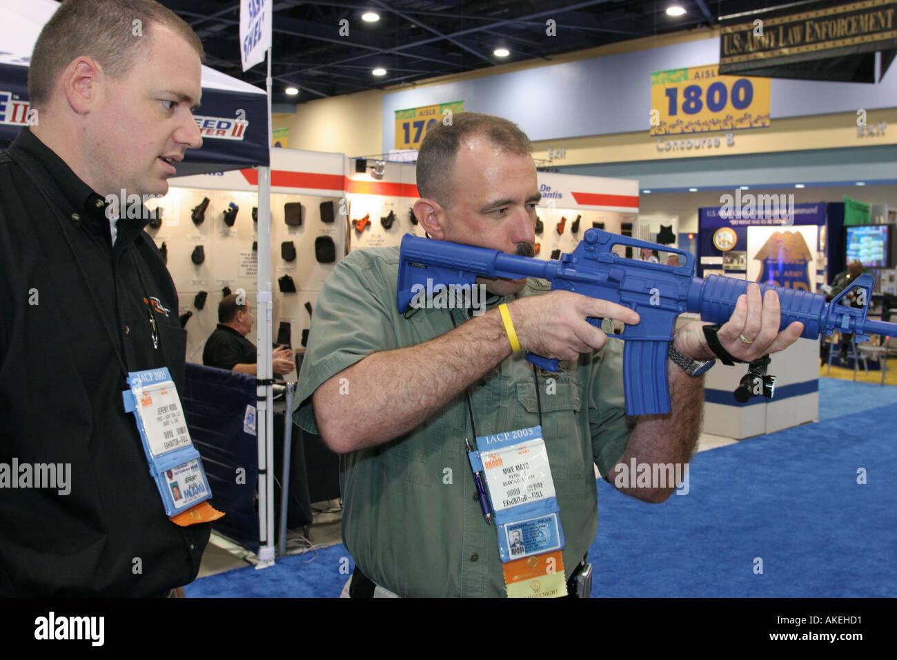 Aisl Shooting florida miami beach police training stock photos & florida