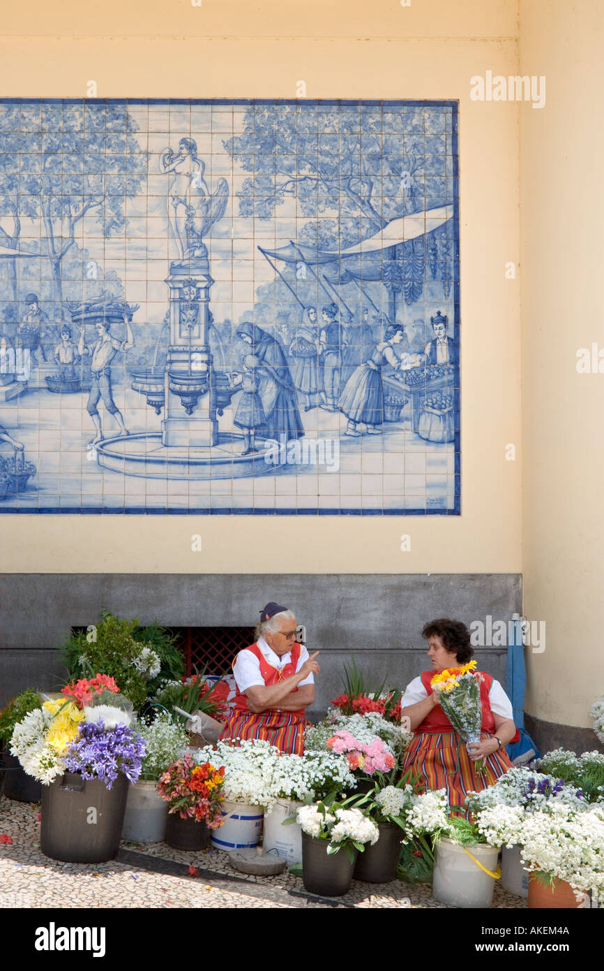 Flower Sellers outside the Mercado dos Lavradores (Workers Market), Funchal, Madeira, Portugal - Stock Image