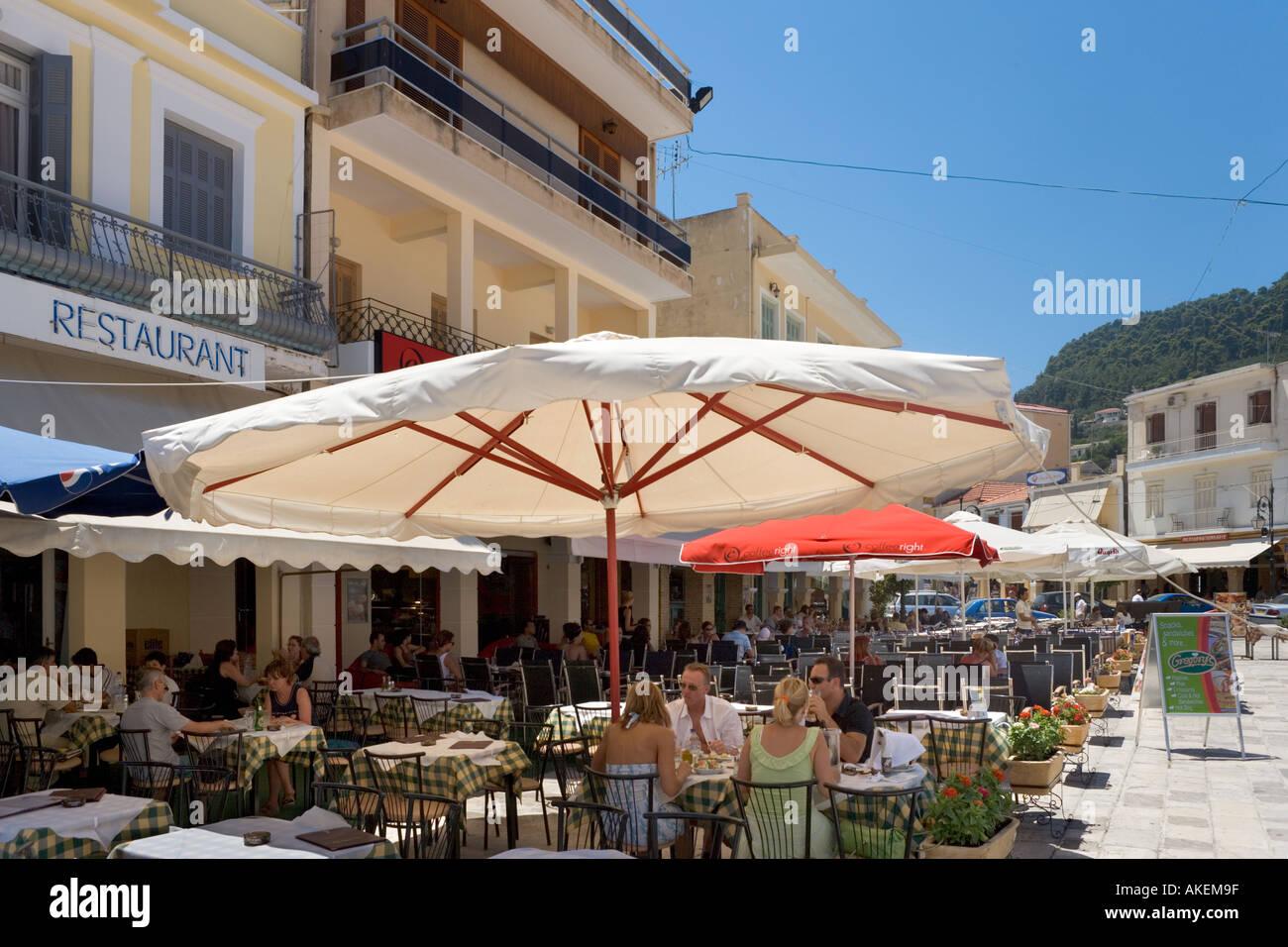 Restaurants, St Mark's Square (Aghios Markou Sq),  Zakynthos Town, Zakynthos, Ionian Islands, Greece Stock Photo