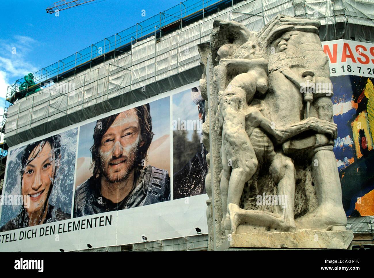 Wien I, Helmut-Zilk-Platz gegenüber dem Palais Erzherzog Albrecht, Mahnmal gegen Krieg und Faschismus von Alfred Stock Photo