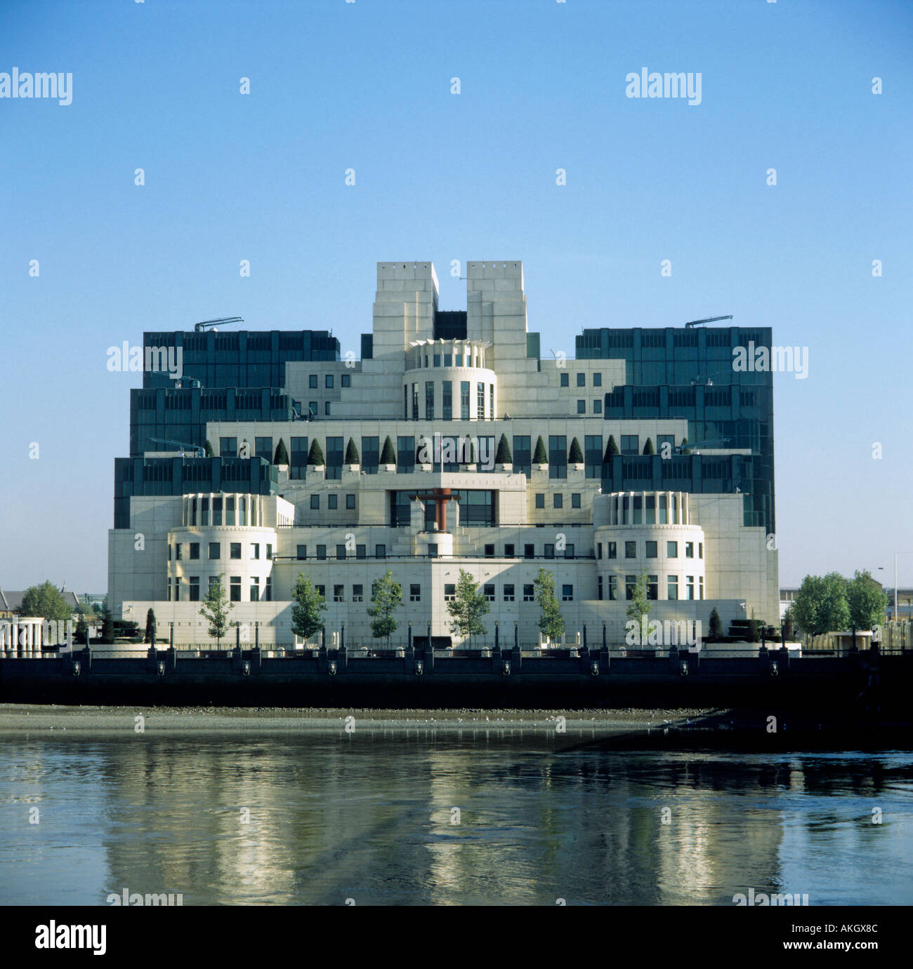 thames river and hq of foreign spy service mi6 city of london england great britain editorial use only - Stock Image