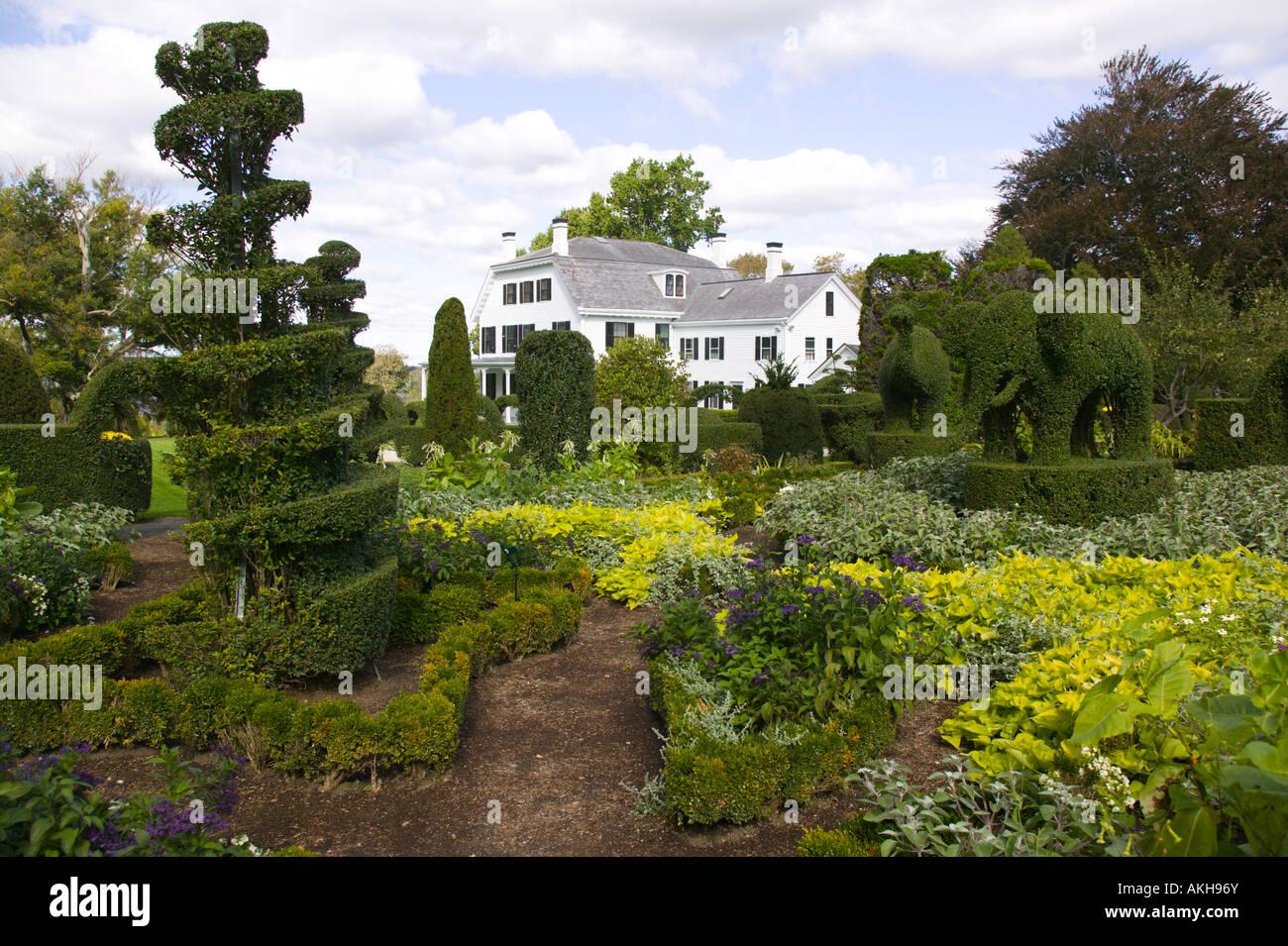 green animals topiary garden portsmouth rhode island - Green Animals Topiary Garden