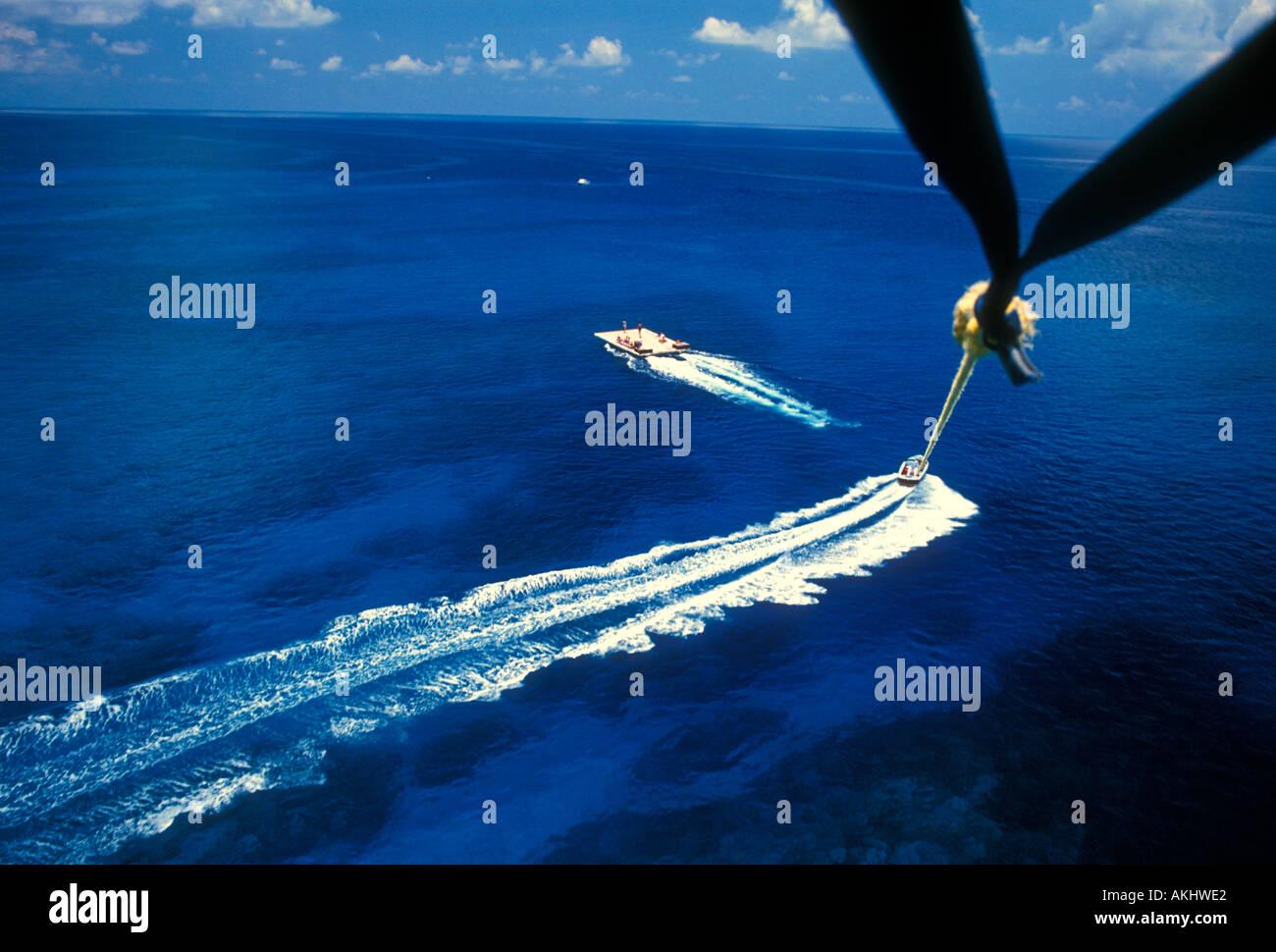 parasailing, Seven Mile Beach, Grand Cayman Island, Cayman Islands, Caribbean - Stock Image