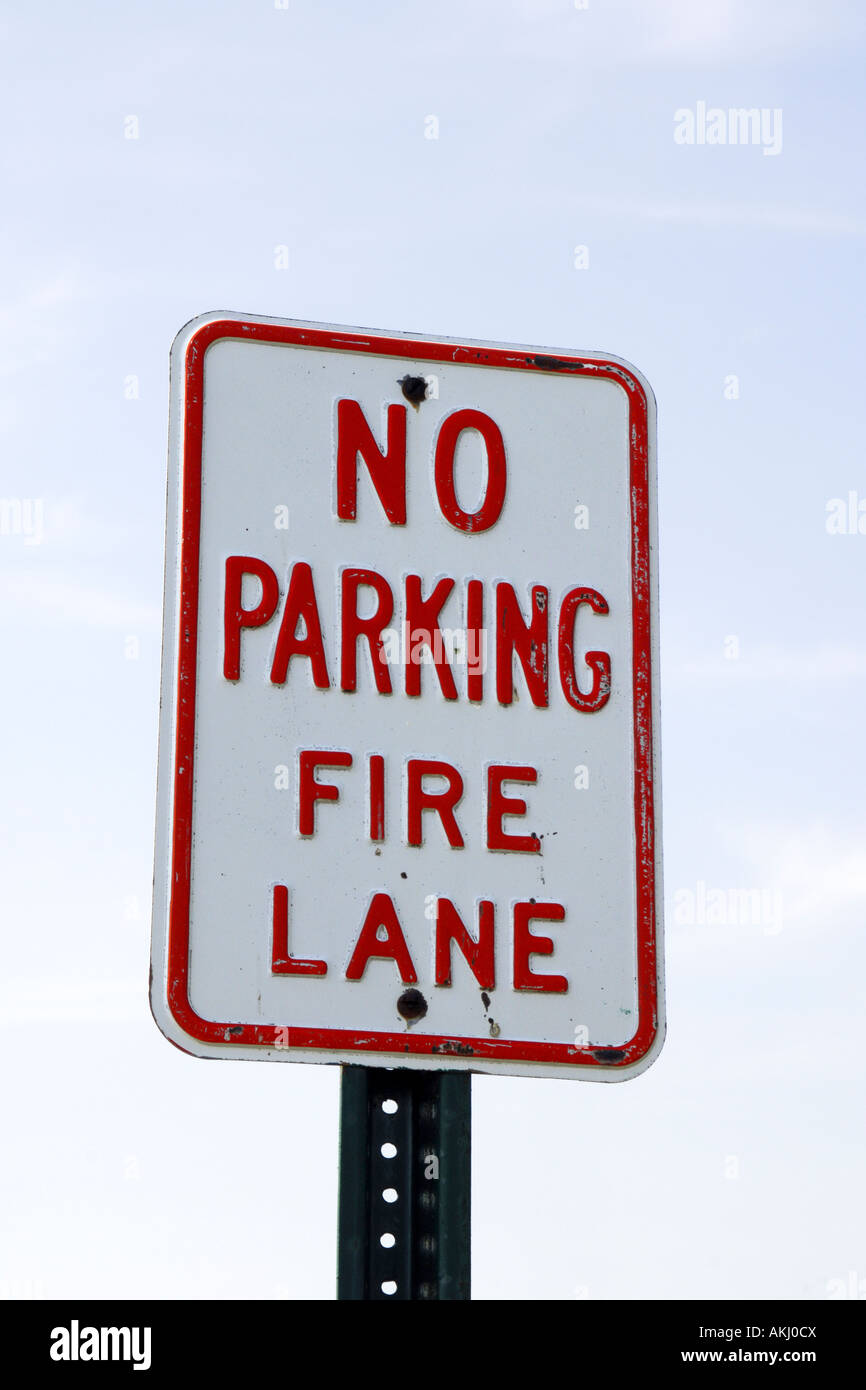 No Parking Fire Lane sign in Milwaukee Wisconsin WI - Stock Image