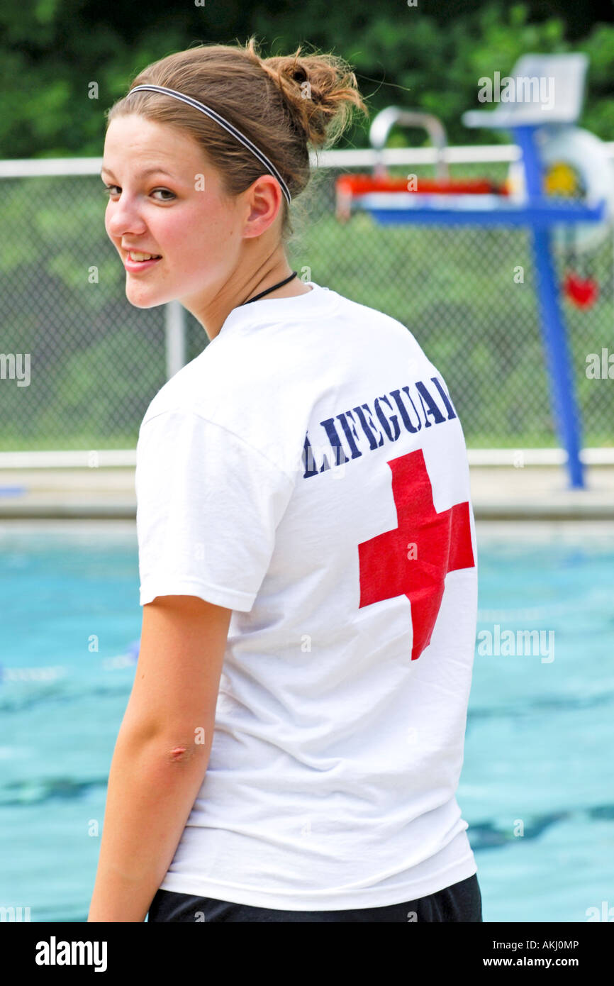 Wearing At Swimming Pool T Shirt Community Red The Cross Lifeguard A 0vN8Omnw
