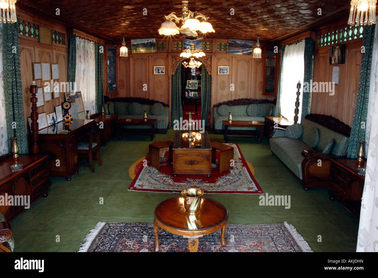 Merveilleux India, Jammu And Kashmir, Srinagar, On The Lake Dal, Livingroom Of A