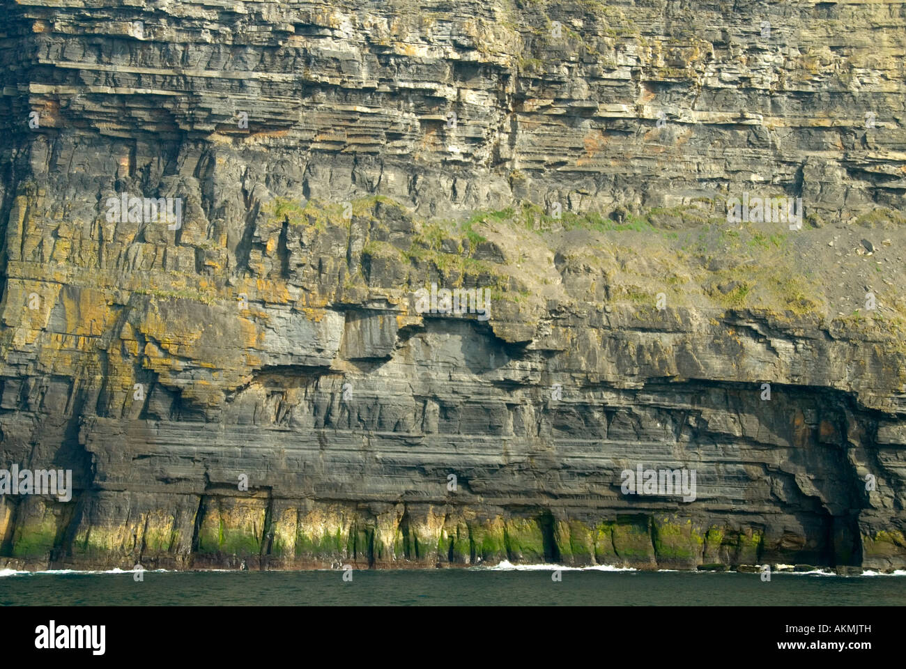 Unconformity in rock strata, Cliffs of Moher, County Clare, Ireland - Stock Image