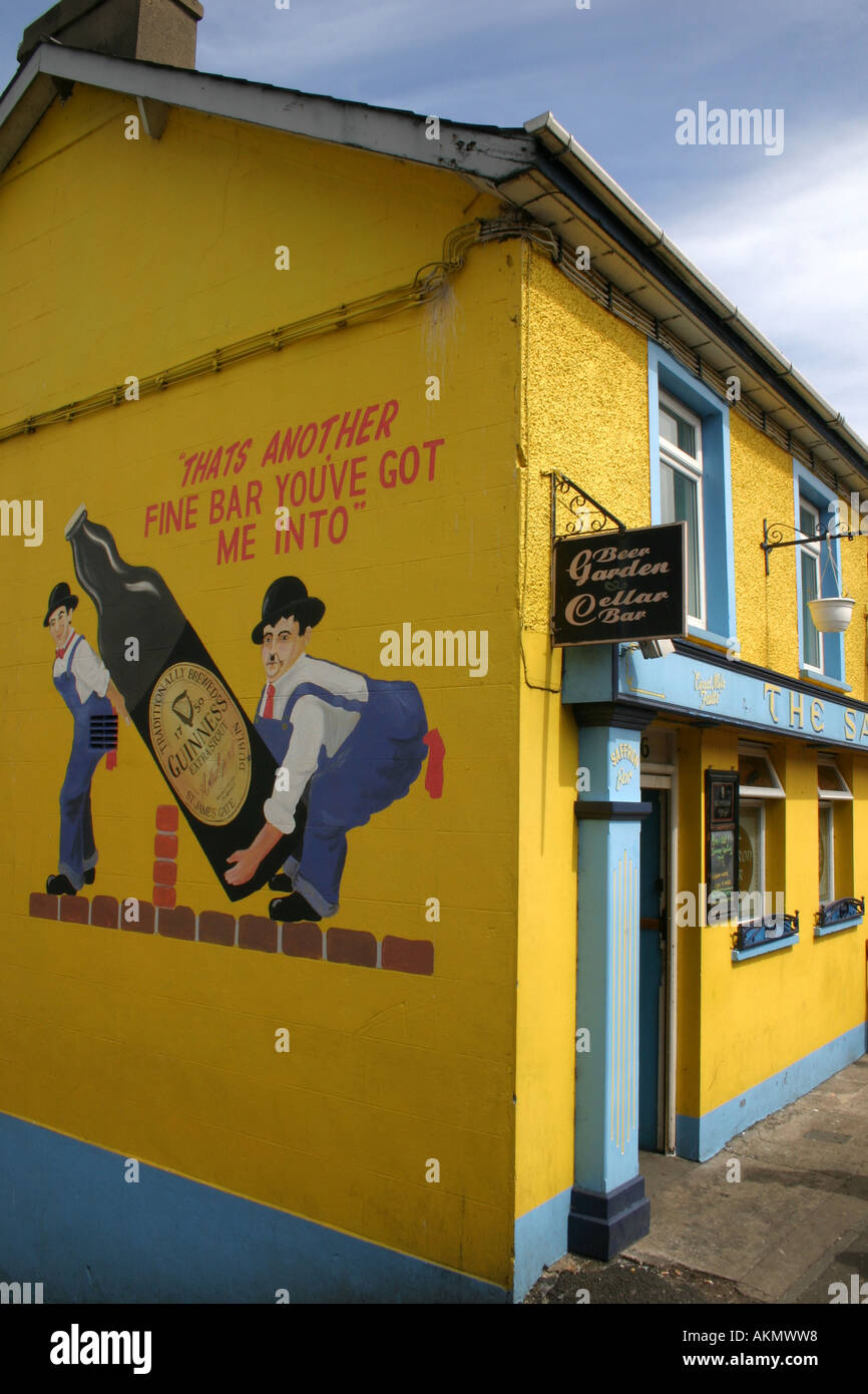 Guinness Wall Painting Stock Photos & Guinness Wall Painting Stock ...