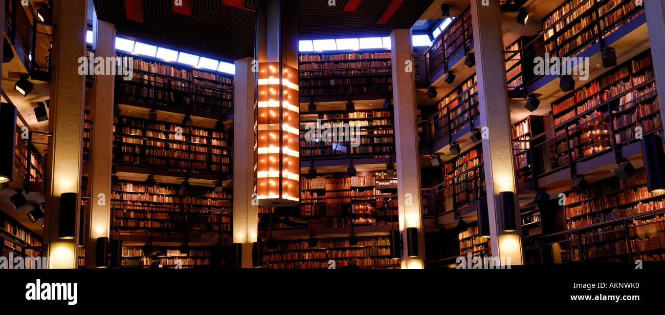 Thomas Fisher Rare Book Library interiro Panorama University of Toronto - Stock Image
