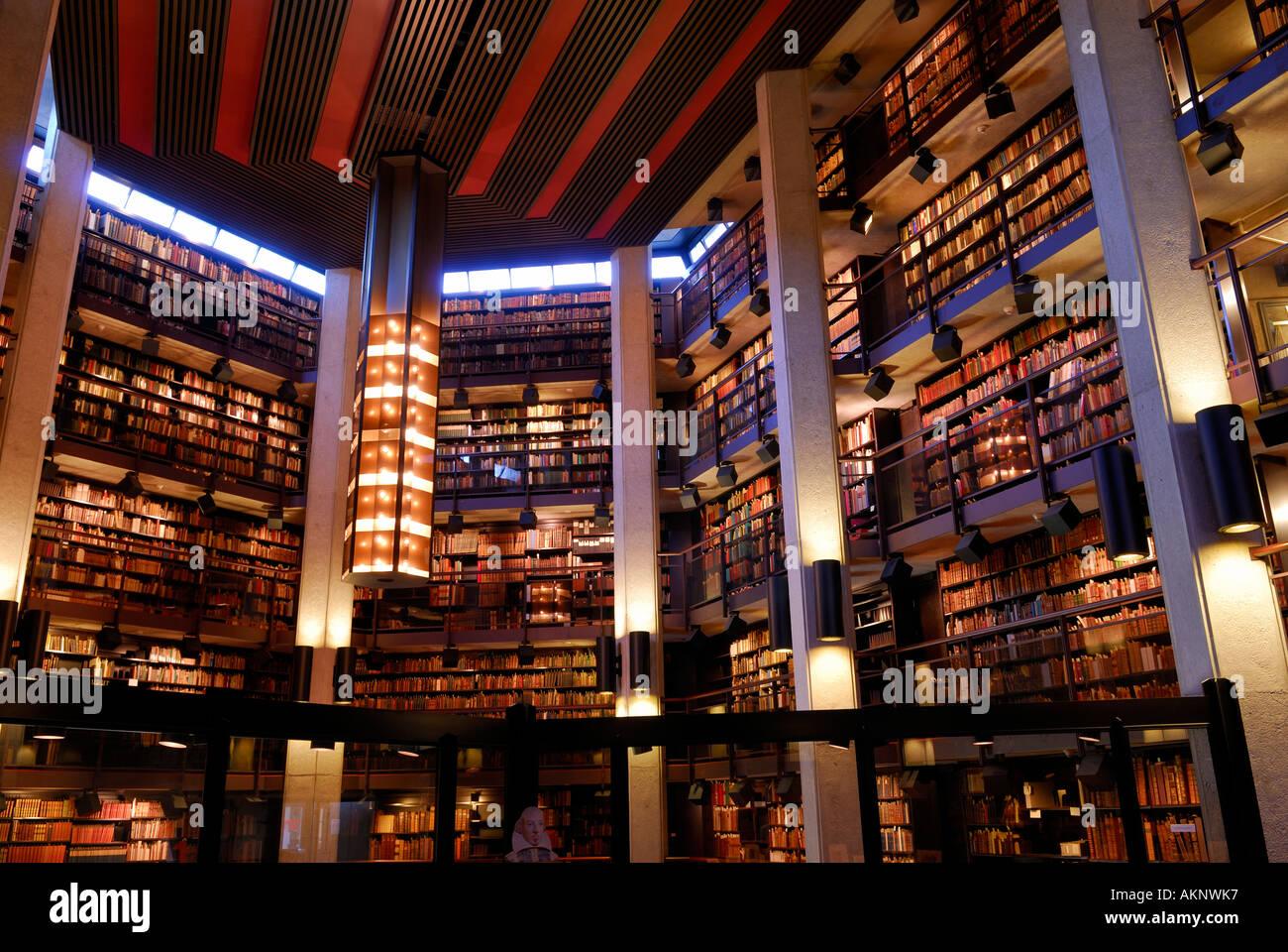 Interior of Thomas Fisher Rare Book Library and Shakespeare University of Toronto - Stock Image