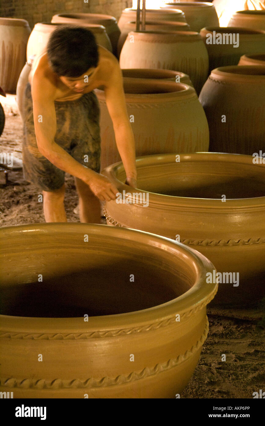 Mekong Delta ceramic jar factory in village along Dong Nai River near Phan Thiet - Stock Image