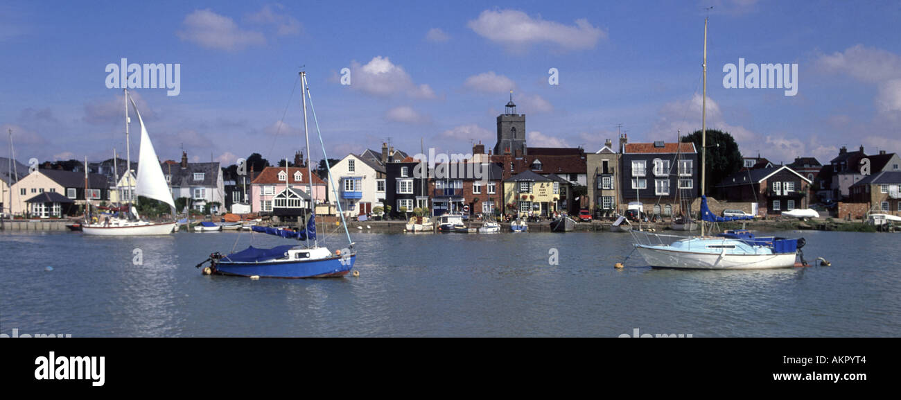 Wivenhoe near Colchester boats on River Colne at high tide - Stock Image