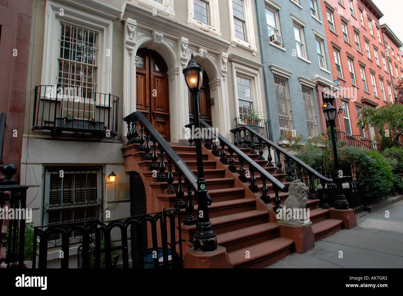 Townhouses In The Chelsea Neighborhood Of Nyc Stock Photo Alamy