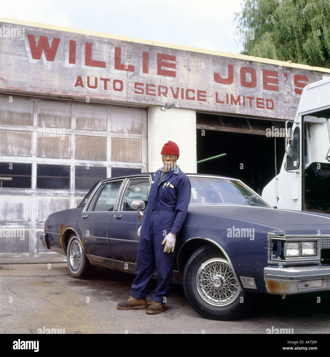 Joes Auto Repair >> Joes Auto Repair Stock Photos Joes Auto Repair Stock