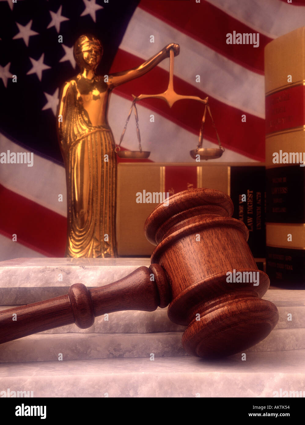 still life statue lady justice law books judges gavel marble stone base american US flag democracy democratic - Stock Image