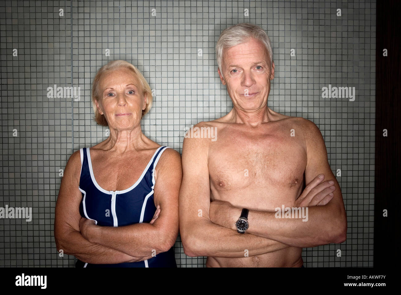 Senior couple in changing room - Stock Image