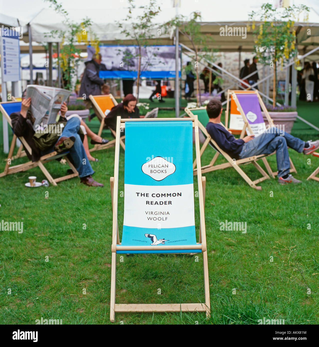 Pelican book cover deck chair on the Hay Book Festival site Hay-on-Wye Wales UK  KATHY DEWITT - Stock Image
