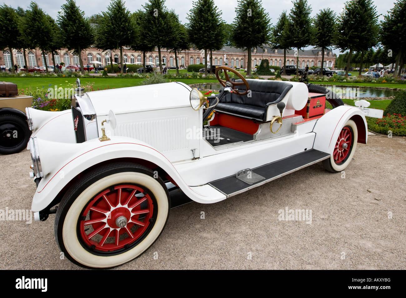 Pierce Race Cars: Pierce Arrow Car Stock Photos & Pierce Arrow Car Stock