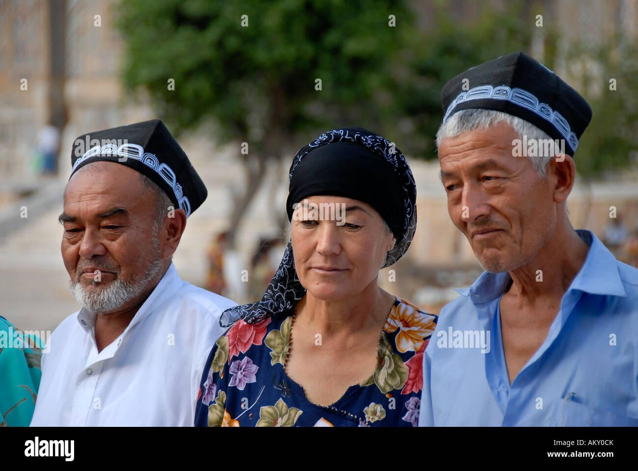 Uzbeks dressed in traditional cloth Samarkand Uzbekistan Stock Photo