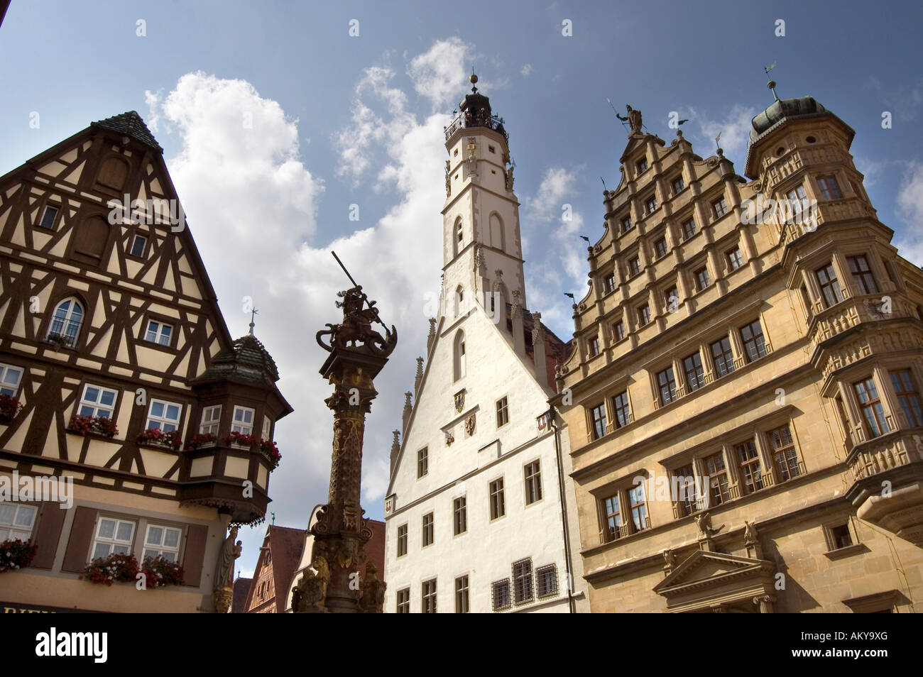 Market square, Fountain of St. George, Town Hall, Rothenburg ob der Tauber, Bavaria, Germany - Stock Image