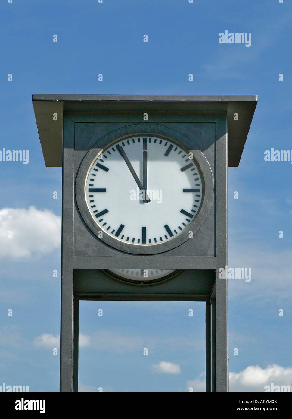 5 to 12 noon - Stock Image