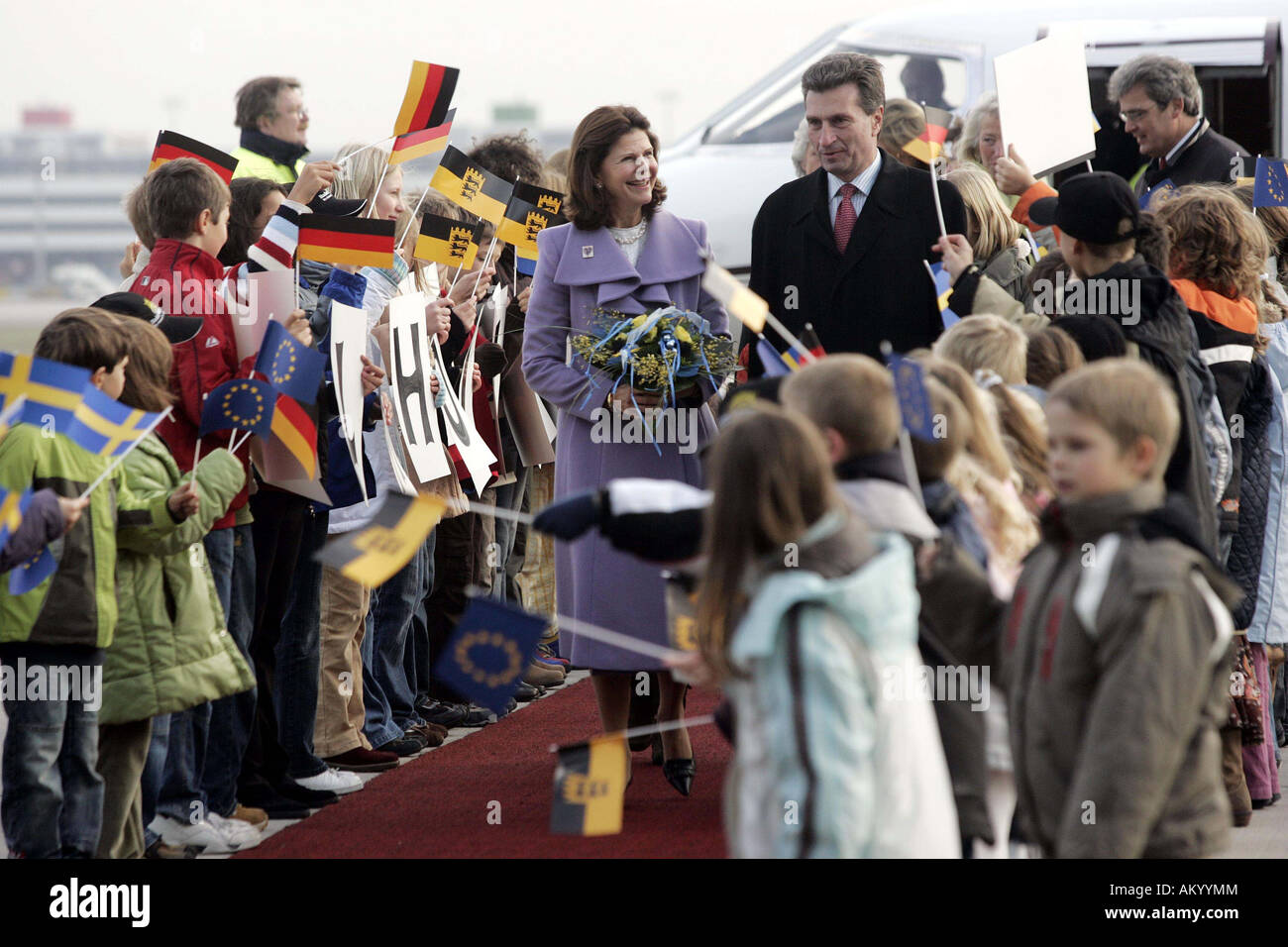 Queen Silvia of Sweden is welcomed by Wuerttembergs Prime Minister Guenther Oettinger at Stuttgart Airport, Stuttgart, - Stock Image