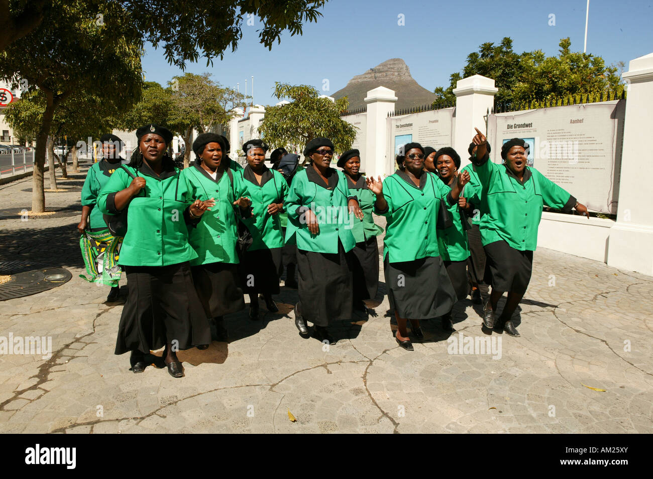 ANC Women´s League in front of the government building in Cape Town, South Africa - Stock Image